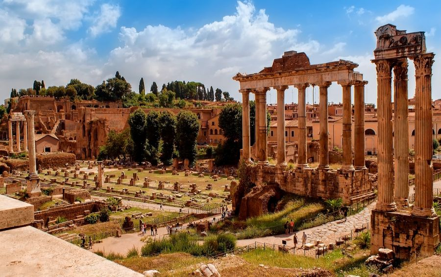 Roman Forum, Rome, Italy. Guide of attractions in Rome Rome, ITALY