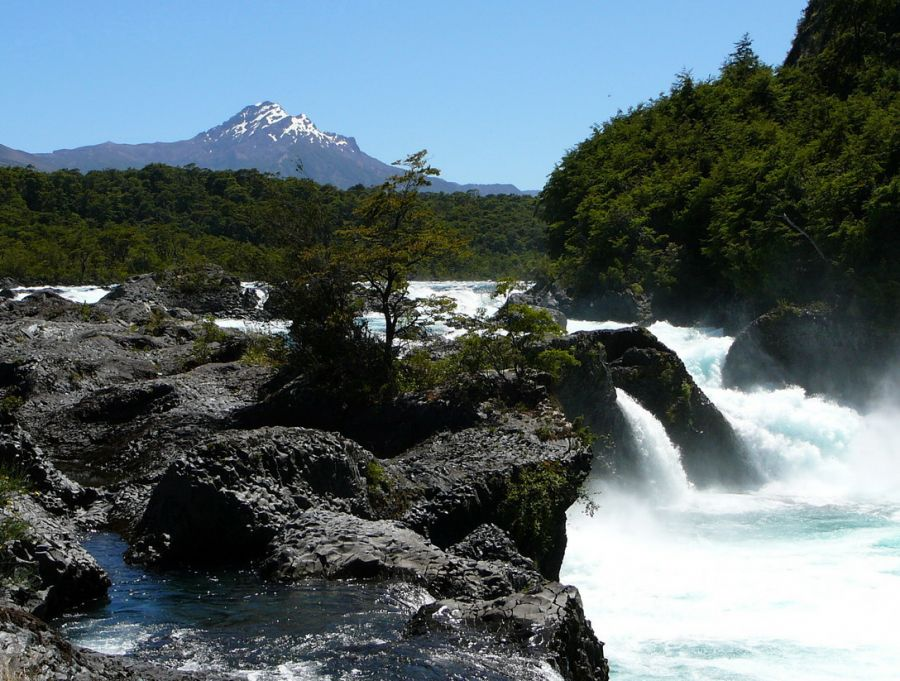 Petrohue Falls, Tourist information, how to get there, tour, reservations Puerto Varas, CHILE