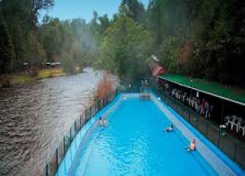 Aguas Calientes hot springs, Puyehue