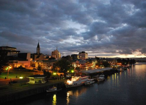 KNOWING VALDIVIA