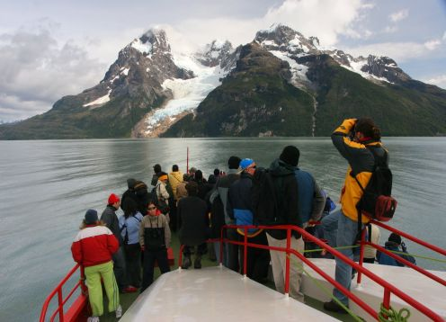 TORRES DEL PAINE AND GLACIERS FLUVIAL