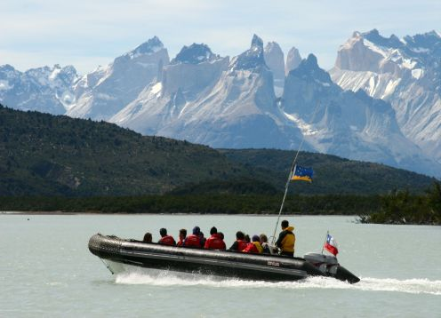 Navigation in zodiac to the Serrano Glacier and Torres del Paine