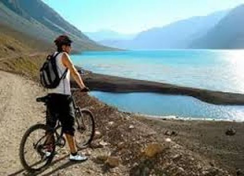 THE ANDES IN MOUNTAIN BIKE. RESERVOIR DEL YESO. Santiago, CHILE
