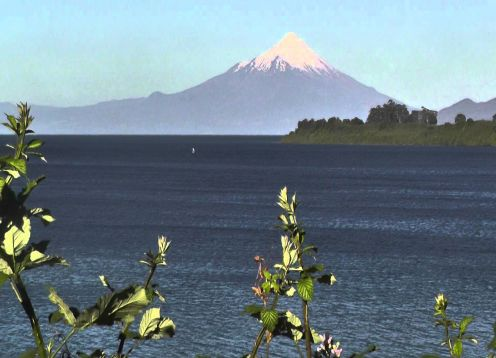 TOUR  TO THE BORDER OF LLANQUIHUE LAKE & OSORNO VOLCANO. , CHILE