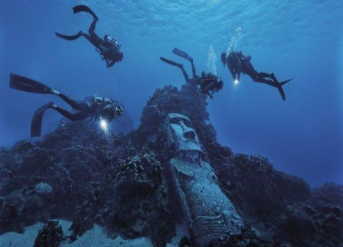 DIVING - INITIATIONBAPTISM ON EASTER ISLAND