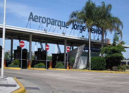Transfer from Aeroparque to Hotel in Buenos Aires or V.V