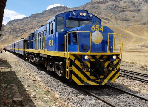 Train Puno / Cusco with lunch