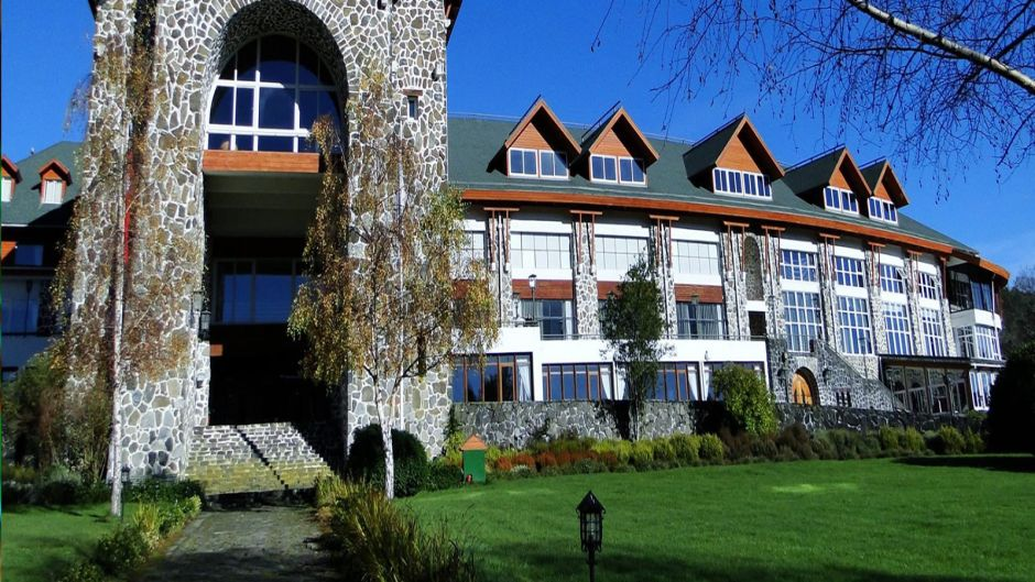 PUYEHUE HOT SPRING TOUR - Puerto Montt, Chile