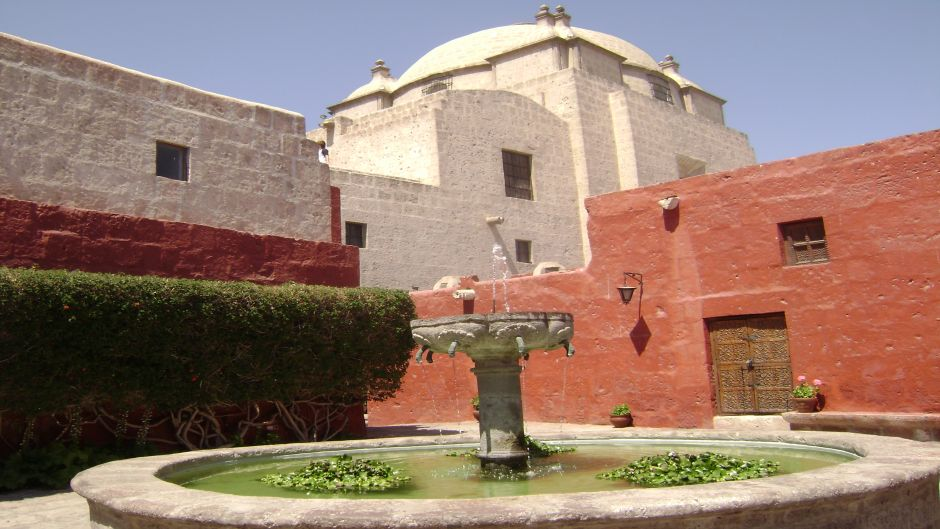 CITY TOUR AND SANTA CATALINA MONASTERY - Arequipa, PERU