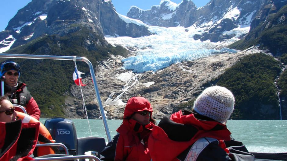 MORE PHOTOS, NAVIGATION BALMACEDA AND SERRANO GLACIERS